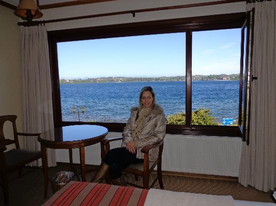 Hotel y Cabanas Terrazas Del Lago: Vista do lago pela janela do hotel