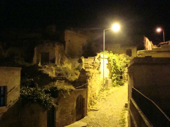 Hotel Surban : Terastan bir gece fotografi