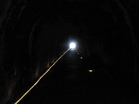مرمرة أنتاليا: Tunnel zum Meer