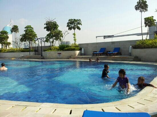 Hotel Indonesia Kempinski: Swimming Pool...