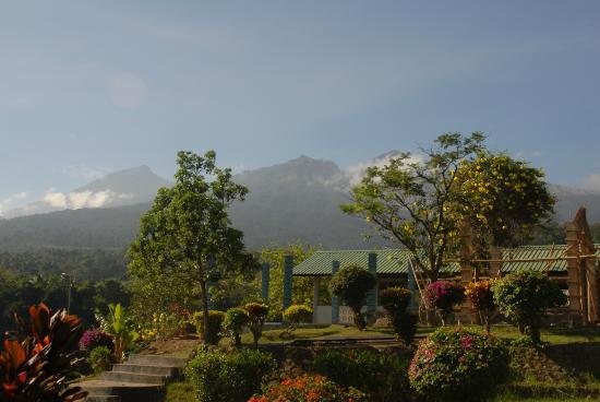 Pondok Senaru Cottages: From terrace towards Rinjani