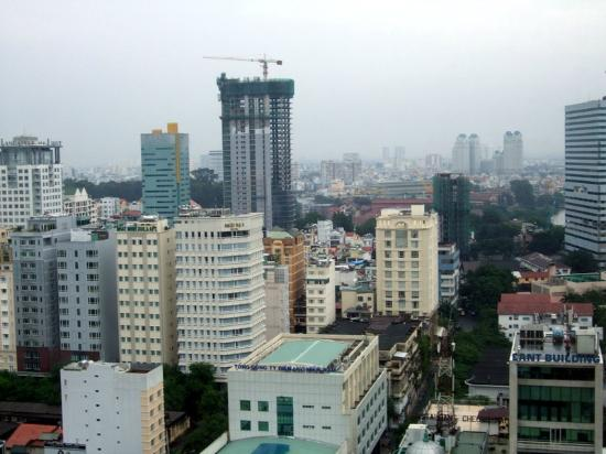 Caravelle Saigon : Skyline from Hotel Window