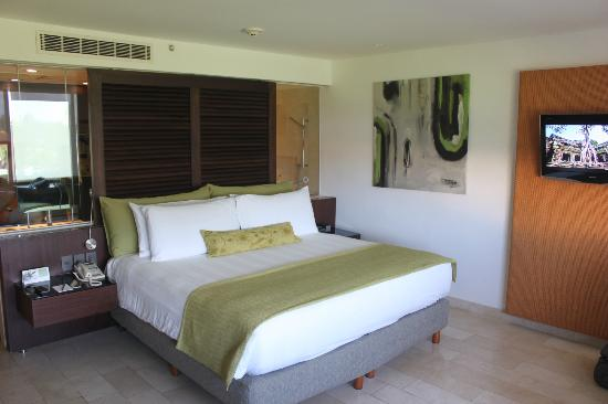 Presidente InterContinental Cancun Resort: Comfortable bed