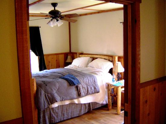 Union Creek Resort: Bedroom in Cabin 7