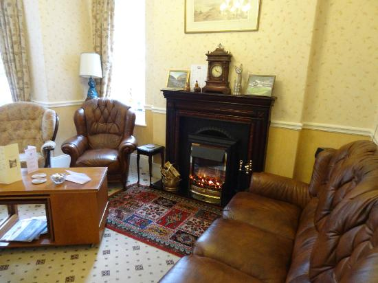 Lorna Doone House: Lounge