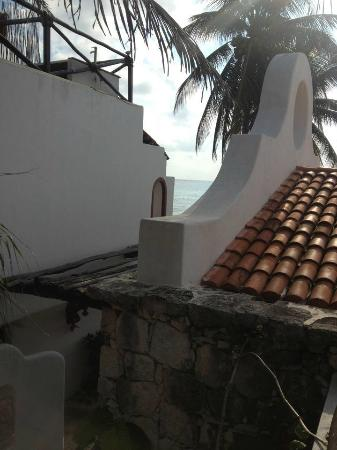 Pelicano Inn: En el Balcon de la habitacion