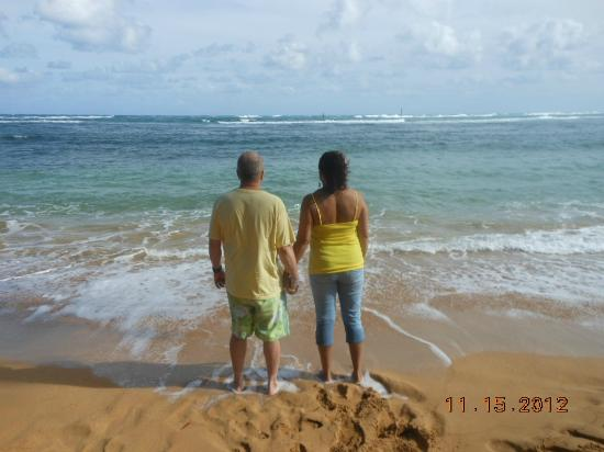 Pono Kai Resort: Hubby and I walking on the beach..