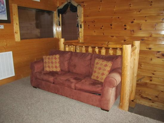 Legacy Mountain Resort: Upstairs sleeper sofa