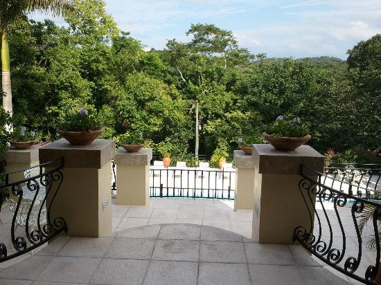 سان إجناسيو ريزورت هوتل: view from lobby 