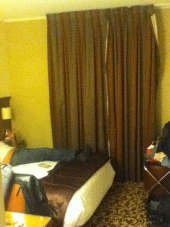 Agora Saint Germain: bed in superior room