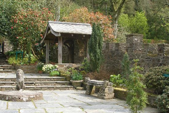 RHS Garden Rosemoor: stone garden