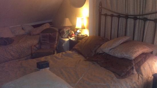 Ye Sleeping House: the Bed