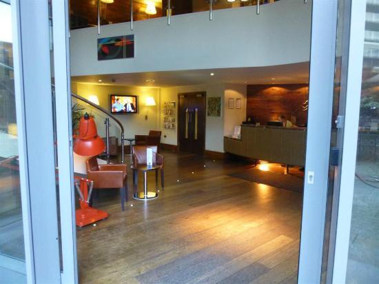 Nitenite Birmingham: Reception Area