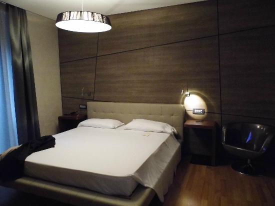 Berg Luxury Hotel: Cama muy cómoda y grande