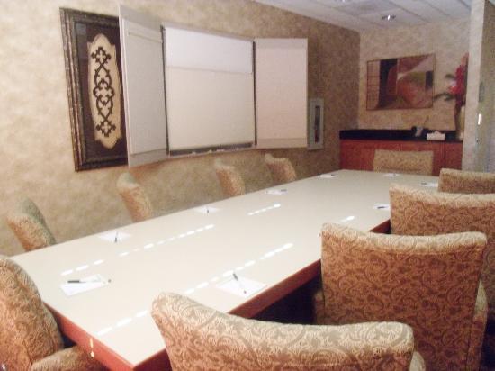Wingate by Wyndham Tupelo: Boardroom
