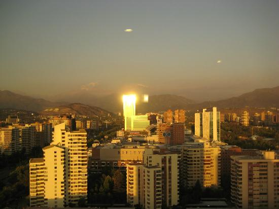 Grand Hyatt Santiago: View from Club lounge at sunset