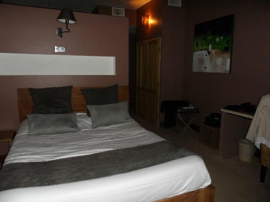 Hotel Disini : chambre