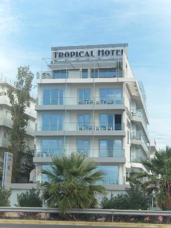 Tropical Hotel: vooraanzicht hotel