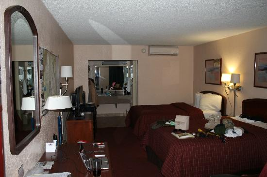 Westgate Inn & Suites: I added the map on the wall for my trips. Home and office away from home