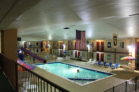 Westgate Inn & Suites : Pool