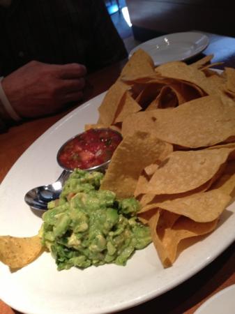 Bricktop's Restaurant: guacamole