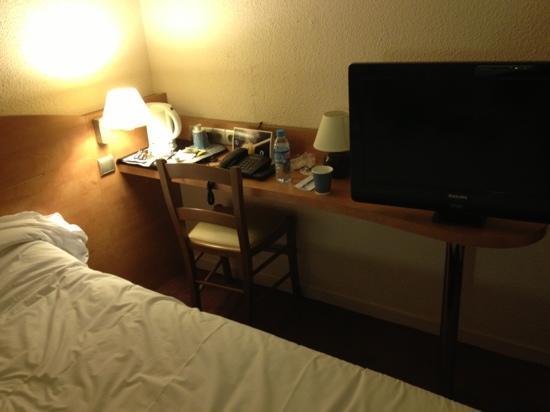 Mondhotel Chelles : chambre