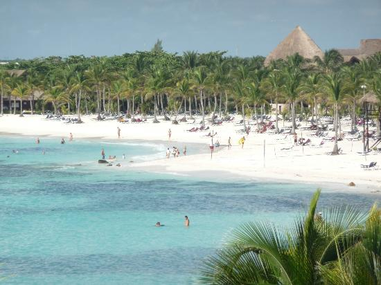 Barcelo Maya Palace: view of palace beach