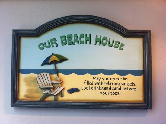 Beach House Inn and Suites : sign in reception area