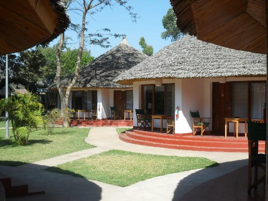 Ilboru Safari Lodge: We stayed in two different locations. Once in a Tukul and once in the main building.