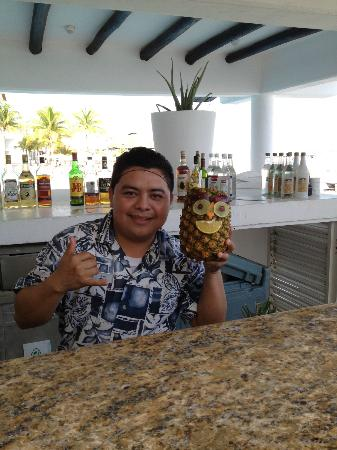 Playacar Palace: Aqua Bar
