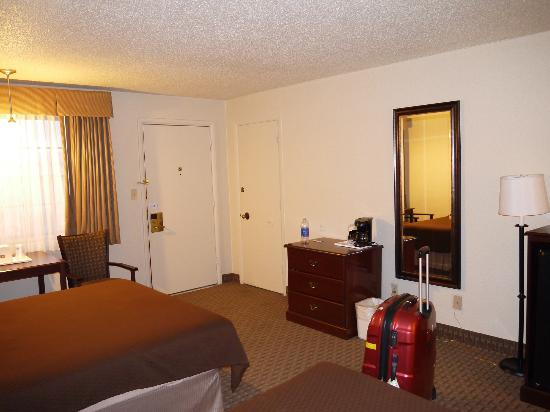 Magnuson Hotel Adobe Holbrook: Hotellrum