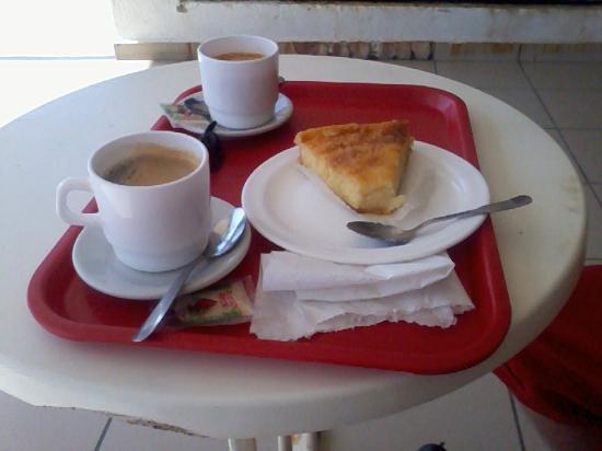 Le Soleil Levant Resort & SPA: Le petit-déjeuner de l'épicerie du Soleil levant
