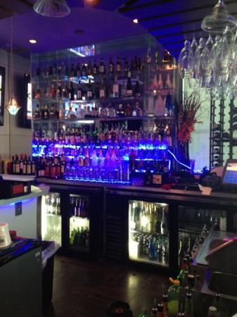 Tokyo Japanese Steak House & Sushi Bar: nice bar