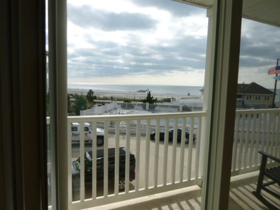 Sandpiper Beach Resort: View from the living room