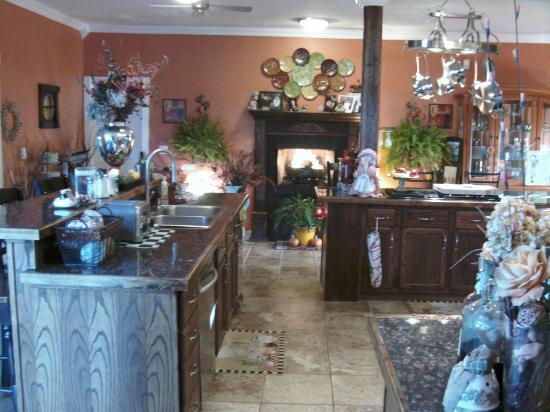 Brookside Inn at Laurens : Kitchen