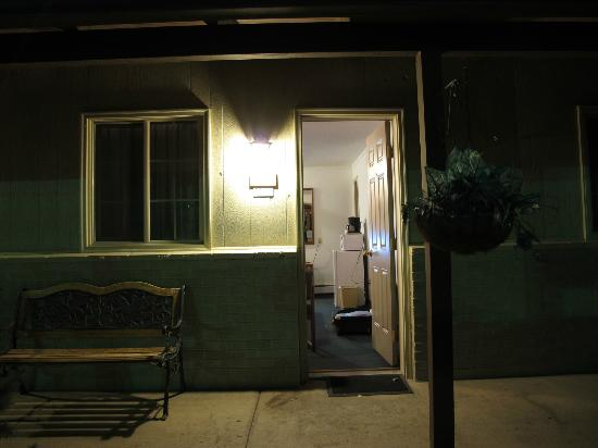 Black Canyon Motel the room door & the room door - Picture of Black Canyon Motel Montrose - TripAdvisor
