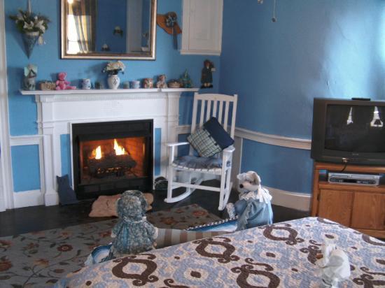 بروكسايد إن آت لاورنز: Blue Room