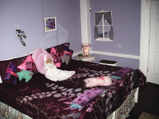 Brookside Inn at Laurens : Lavander Room