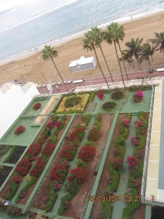 Reina Isabel Hotel: Vista desde la habitaciòn