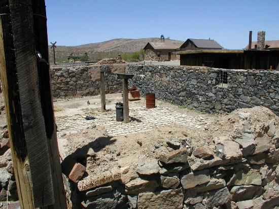 Lordsburg, Nuevo Mexico: Foundation prepared for reconstruction