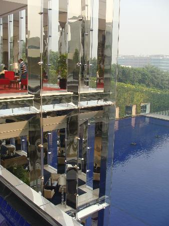 The Oberoi, Gurgaon: Looking across at reception
