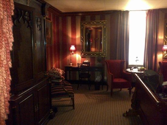 Prestonfield: Room