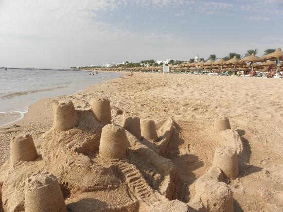 Baron Palms Resort Sharm El Sheikh: Beach Scene