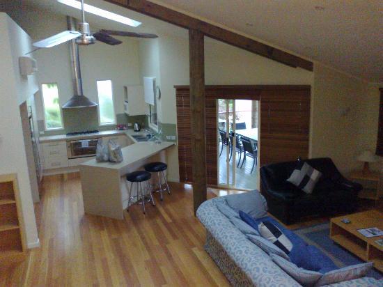 Tathra Beach House: Kitchen