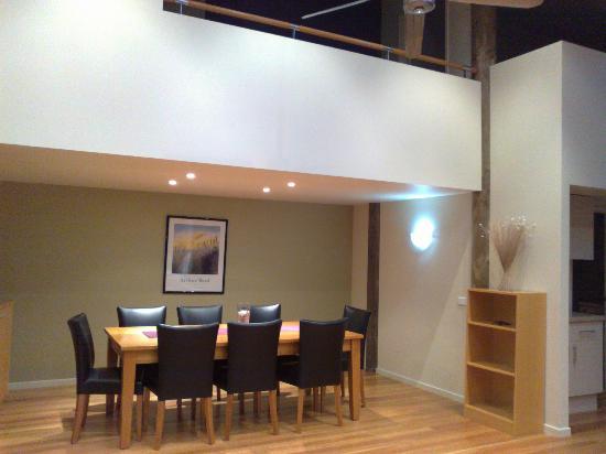 Tathra Beach House: Dining table