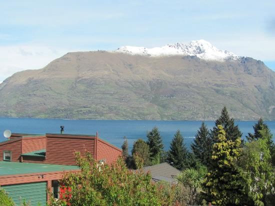 Mercure Resort Queenstown: View of the lake