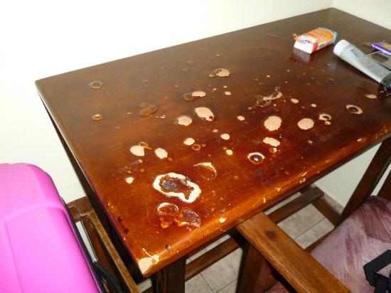 Ambiente : The desk had seen better days