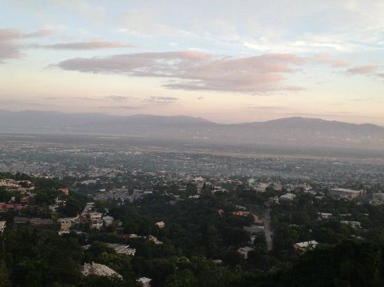 Hotel Montana Haiti: View from restaurant