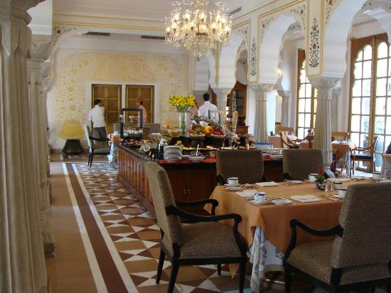The Oberoi Rajvilas: Breakfast