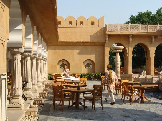 The Oberoi Rajvilas: Outside breakfast